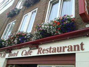 hotel old dutch arnhem florabasket hanging baskets